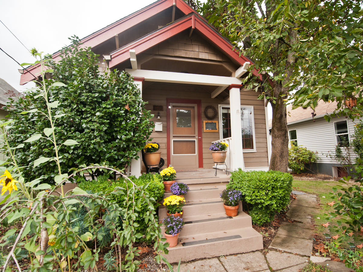 charming arts crafts bungalow in portland oregon small house bliss