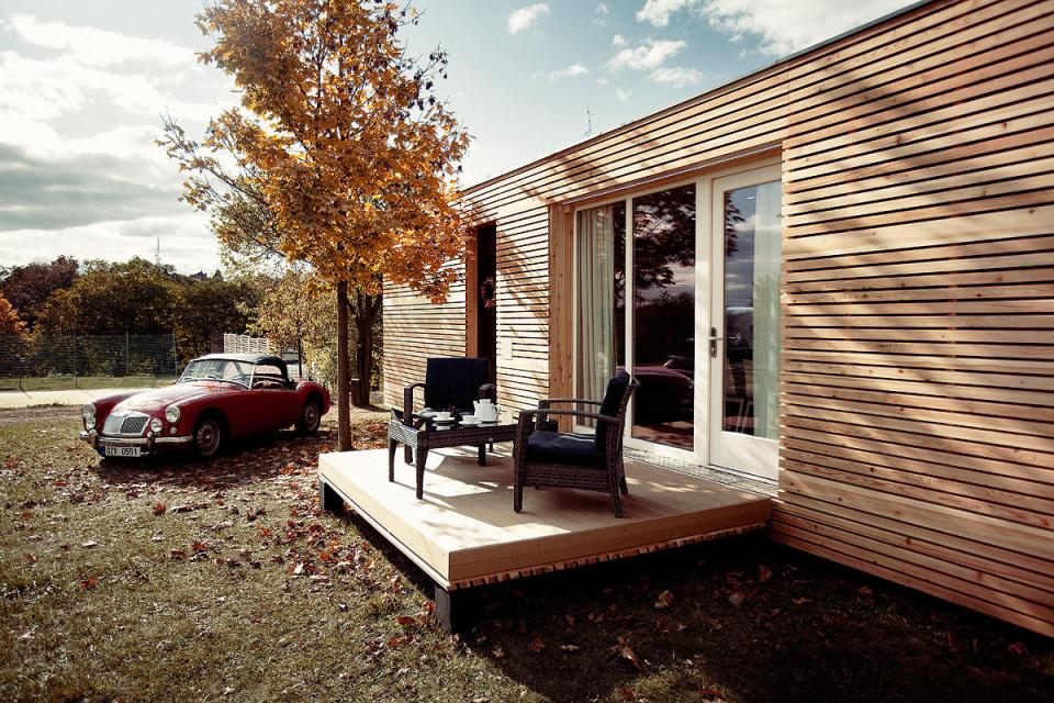 The Freedomky 2 PLUS Classic, a small prefab house with 1 bedroom in 465 sq ft.   www.facebook.com/SmallHouseBliss
