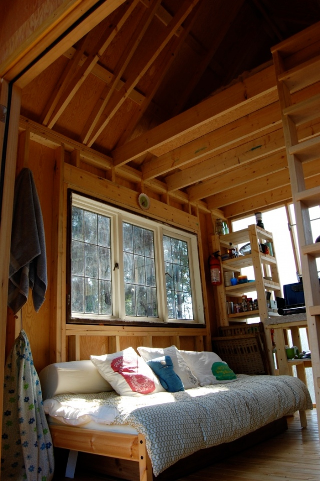 Tiny rustic cabin interior small house bliss for Small rustic cabin interiors