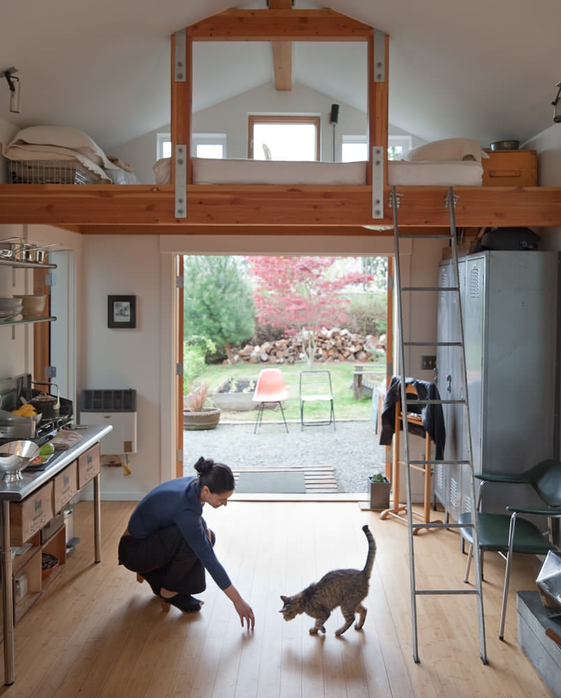 Garage conversion into tiny house michelle de la vega for Lofted garage