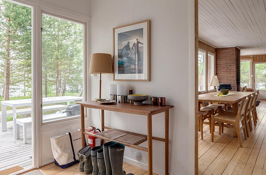 gallery mid century modern home in sweden small house bliss. Black Bedroom Furniture Sets. Home Design Ideas