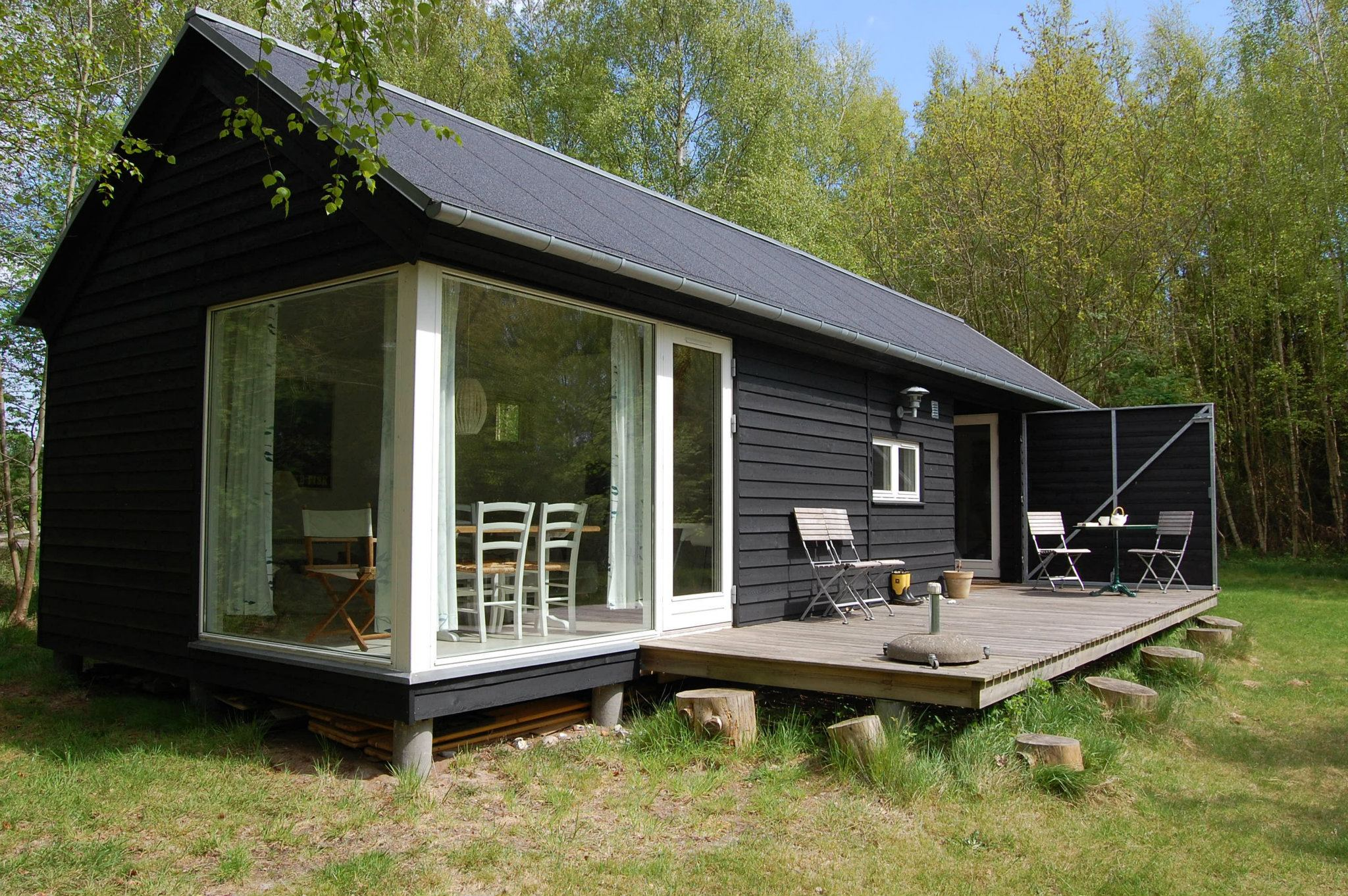 The Længehuset a modular vacation house from Denmark with 2 bedrooms in 592 sq ft & A modular vacation house from Denmark | Møn Huset | Small House Bliss