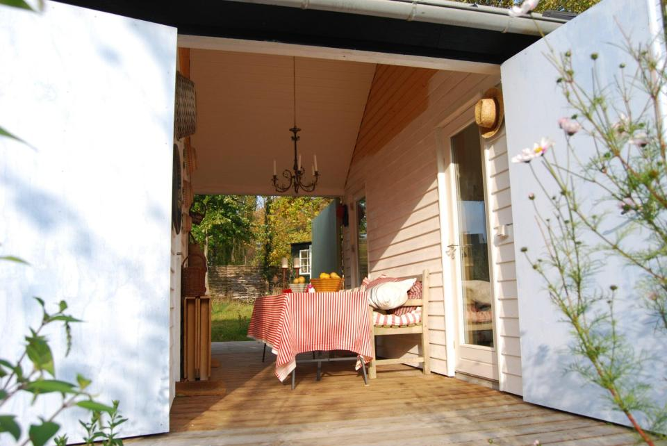 The Længehuset, a modular vacation house from Denmark with 2 bedrooms in 592 sq ft.   www.facebook.com/SmallHouseBliss