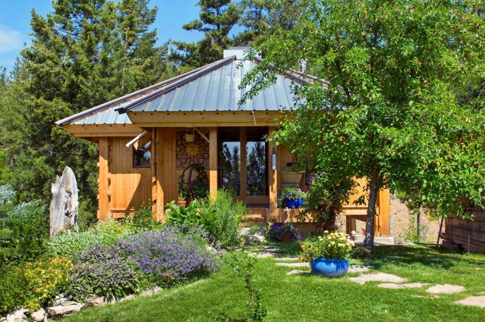 Quietude A Peaceful Wooden Home Henry Yorke Mann