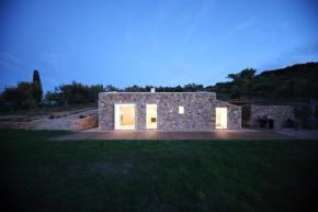 A small house built within a half-collapsed stone barn has 2 bedrooms in 969 sq ft. | www.facebook.com/SmallHouseBliss