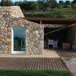 A crumbling stone barn in Tuscany was turned in a contemporary home with 2 bedrooms in 969 sq ft. | www.facebook.com/SmallHouseBliss