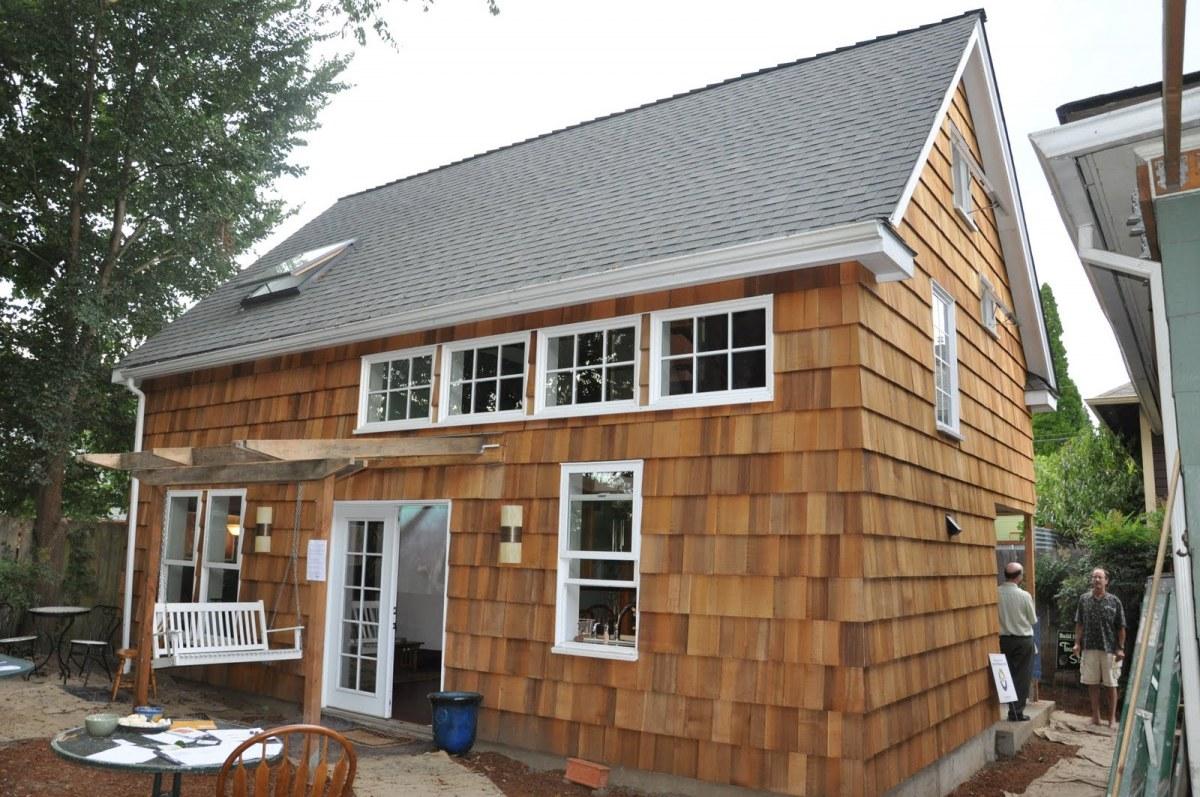 A shingled backyard cottage studio eccos design small for Adu designs