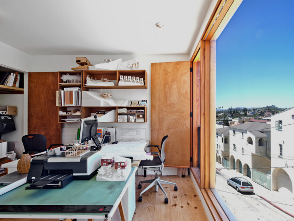 """The """"Eel's Nest"""" house maximizes light and space on a tiny Los Angeles lot. It has two bedrooms in 960 sq ft. 