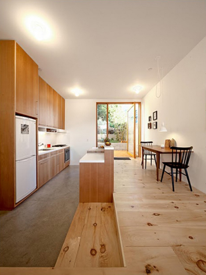 "The ""Eel's Nest"" house maximizes light and space on a tiny Los Angeles lot. It has two bedrooms in 960 sq ft. 