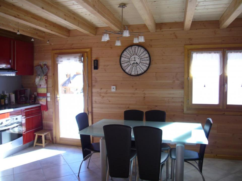 A cozy ski chalet in the French Alps with 3 bedrooms in 846 sq ft. | www.facebook.com/SmallHouseBliss