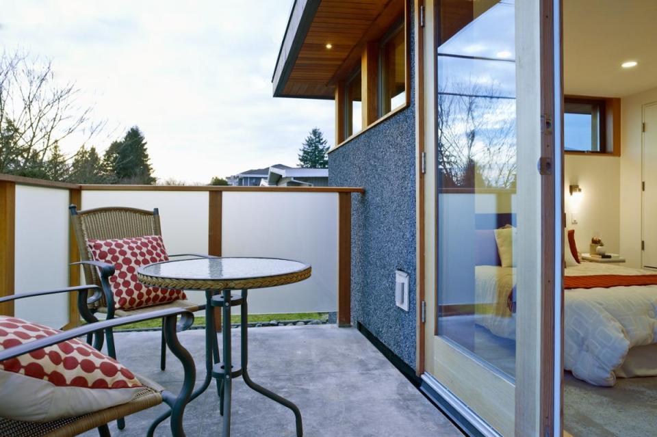 Net Zero Solar Laneway House By Lanefab Design Build