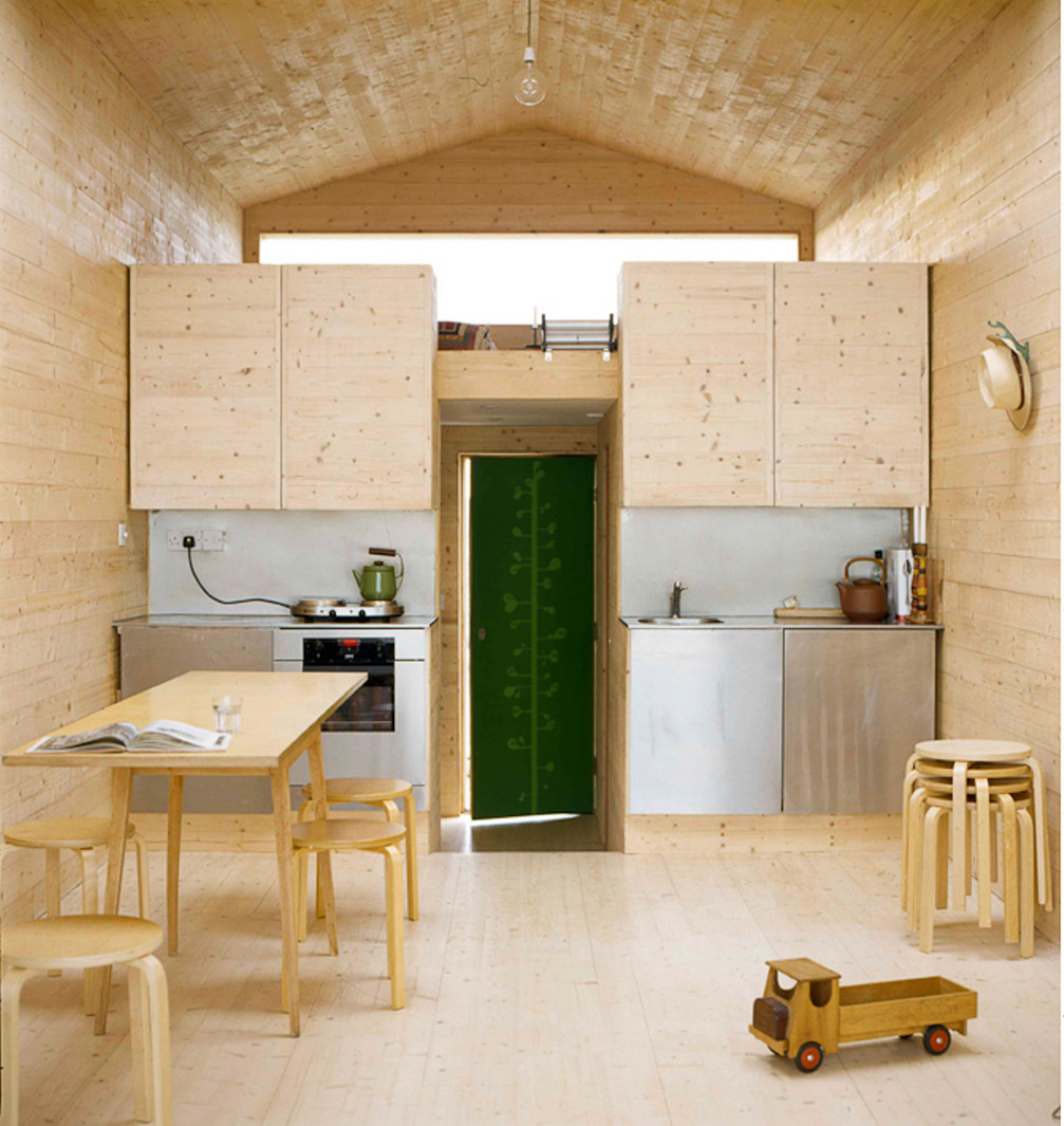 Gallery: A designer\'s modern beach hut | Studiomama | Small House Bliss