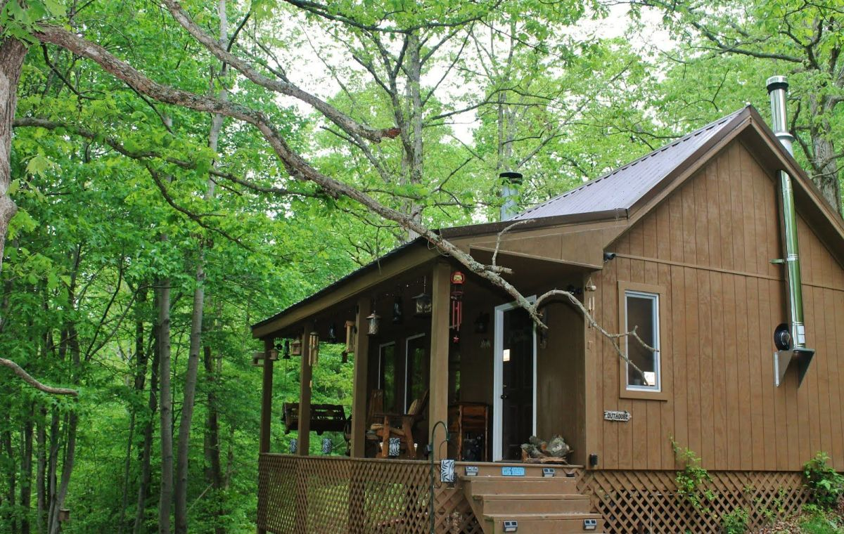 dave s mancamp in the ohio woods small house bliss. Black Bedroom Furniture Sets. Home Design Ideas