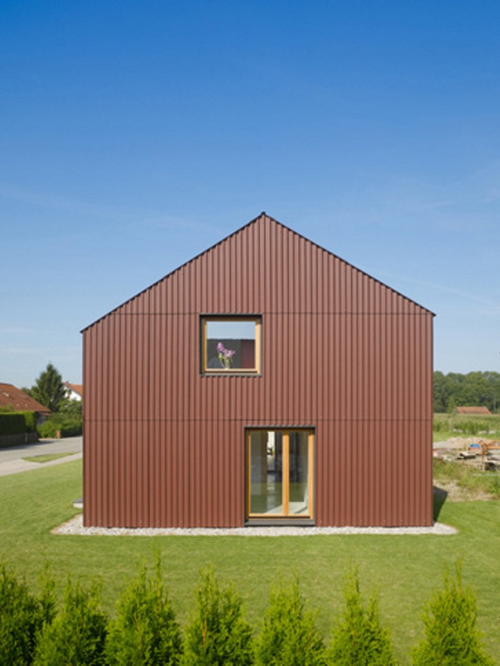 Gallery haus bru a small barn like house soho architektur small house bliss - Soho architekten ...