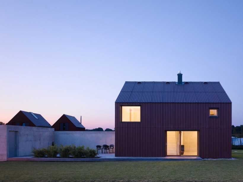 Haus bru a small barn like house soho architektur small house bliss - Soho architekten ...