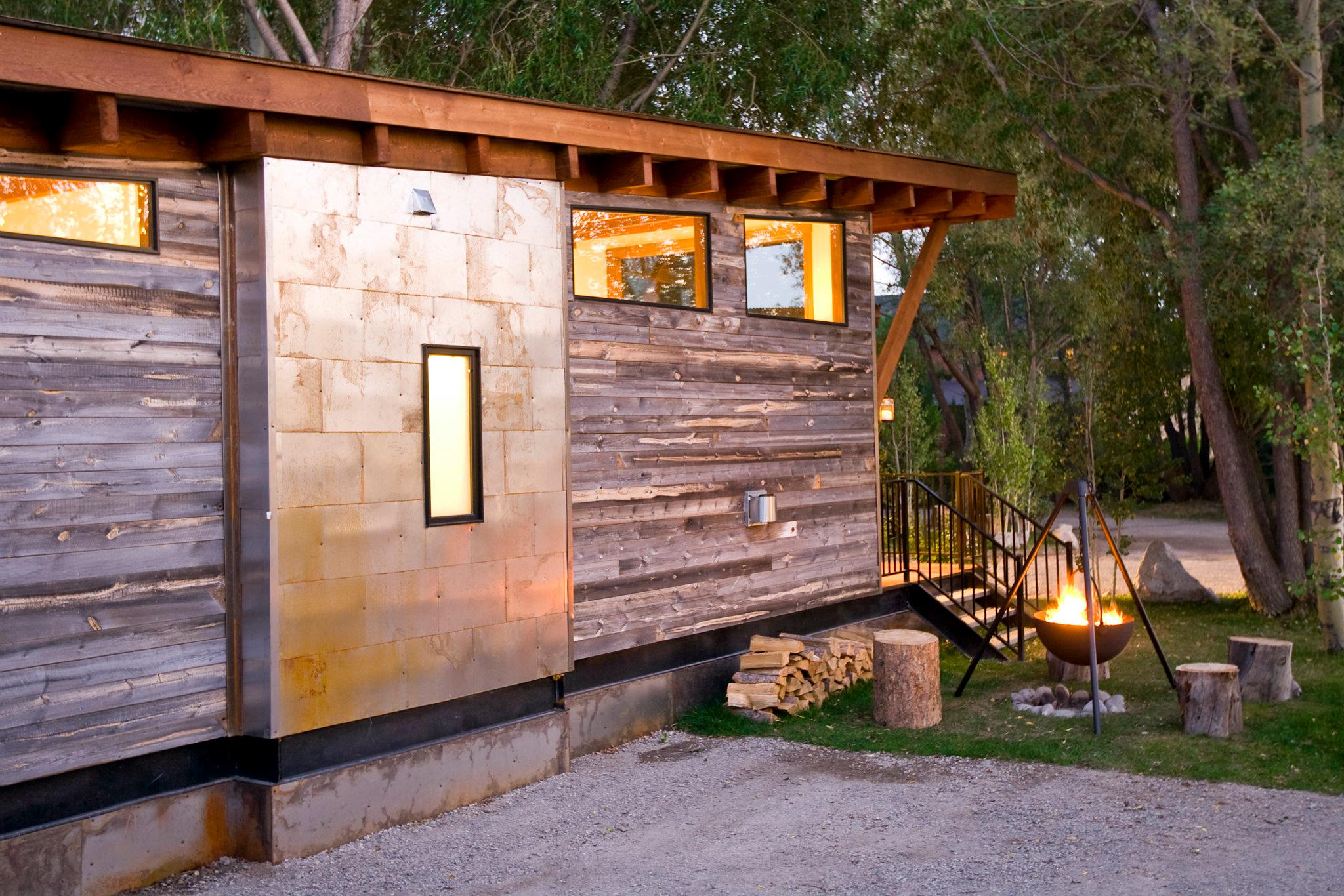 gallery the wedge a small cabin on wheels small house. Black Bedroom Furniture Sets. Home Design Ideas