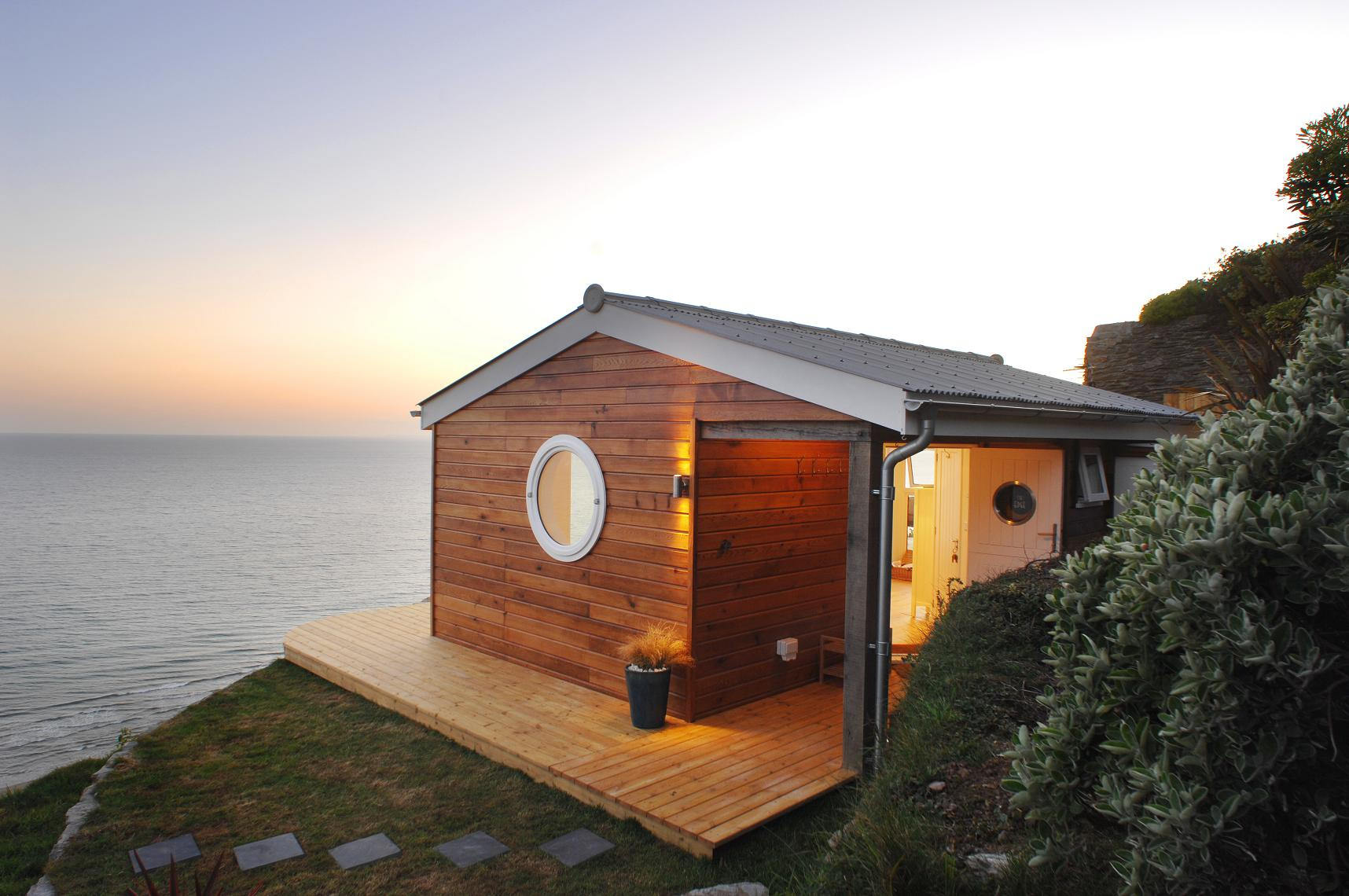 The edge an idyllic beach cottage in cornwall small for Tiny house kits california