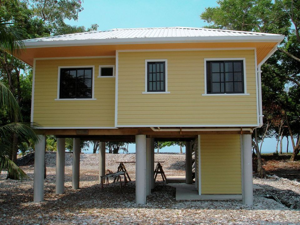 Smallest House In The World Interior Design - Caribbean house colors exterior