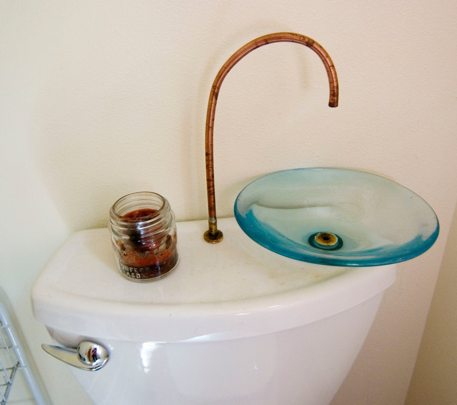 Gallery ruth s garden cottages small house bliss - Small space toilet and sink ...