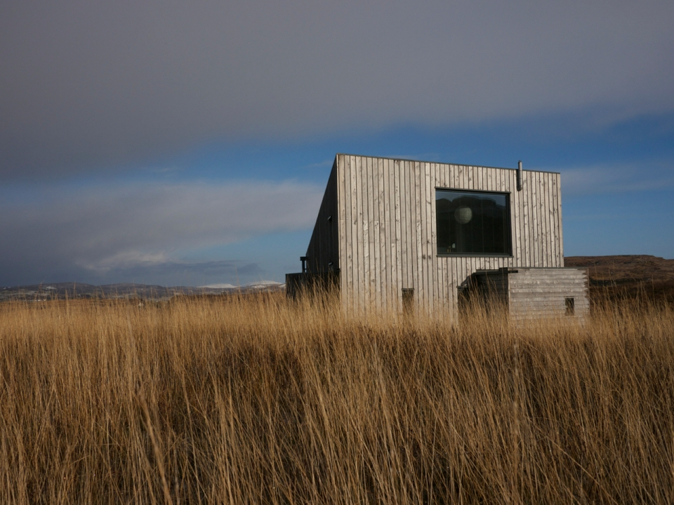 The Hen House on the Isle of Skye, a low-impact contemporary cottage with one bedroom plus loft in 775 sq ft. | www.facebook.com/SmallHouseBliss