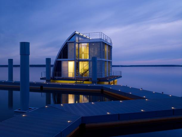 Contemporary float home at the Lausitz Resort by Steeltec37