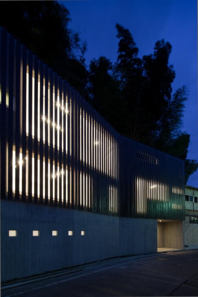 House in Inokashira by Studio NOA