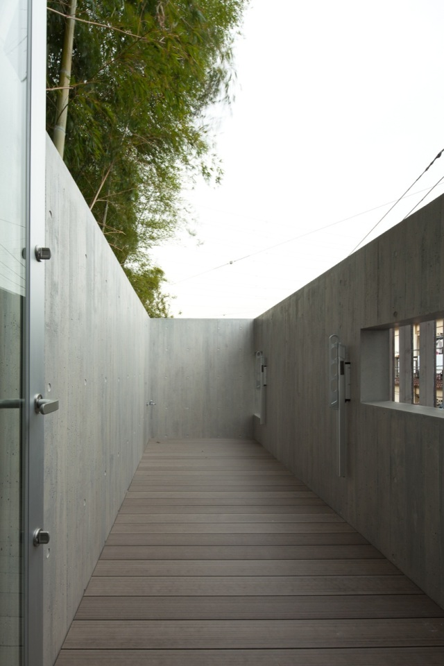 House in Inokashira by Studio NOA