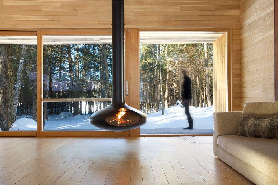 La Luge, a modern ski cabin in Quebec. | www.facebook.com/SmallHouseBliss