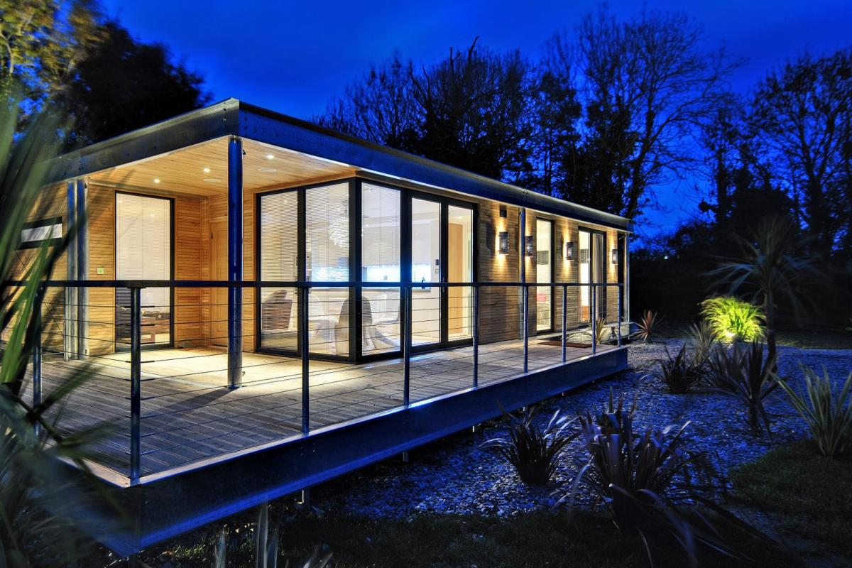 The edge modular home boutique modern small house bliss for Modern modular homes floor plans