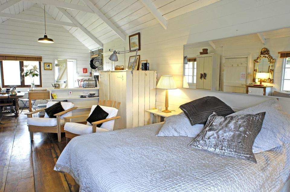 Gallery: The Beach Hut, a romantic retreat in Cornwall | Small House ...