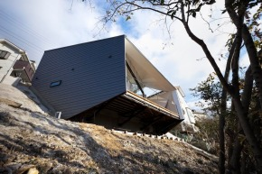 K House, a small house in Japan by D.I.G Architects