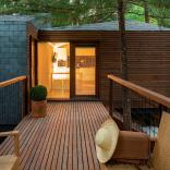 These small vacation cabins are made up of three modules that can be arranged in a variety of different ways to suit the site conditions. | www.facebook.com/SmallHouseBliss