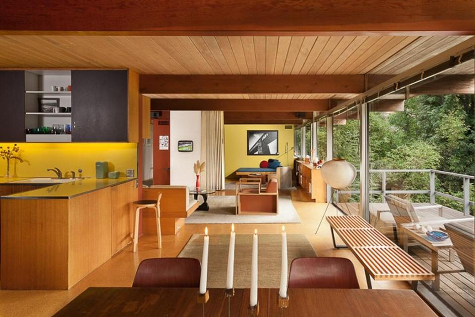 Gallery a small mid century modern house in hollywood for Small mid century modern home plans