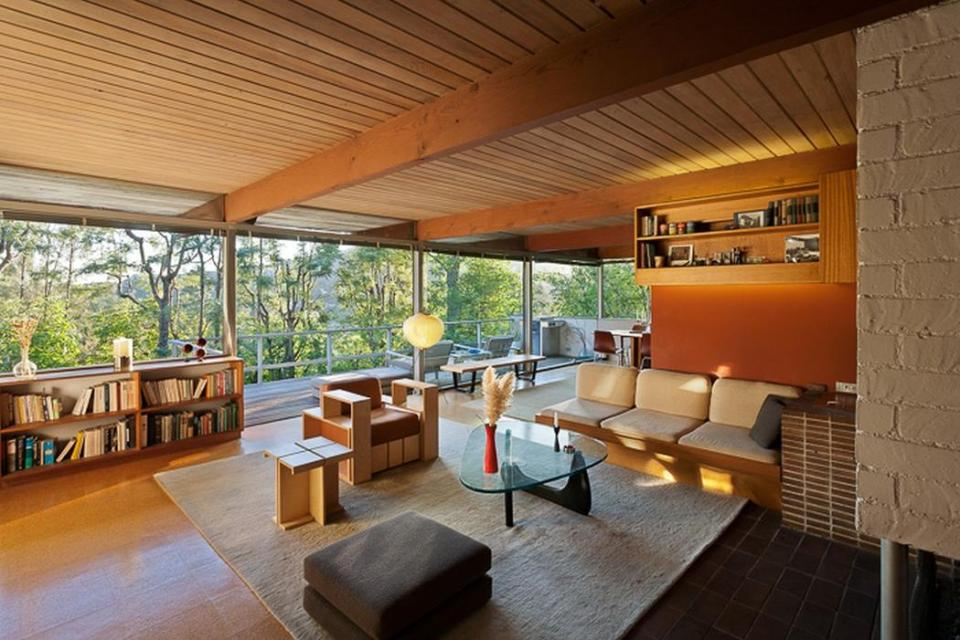 The Hailey Residence, a small mid-century modern house by architect Richard Neutra | www.facebook.com/SmallHouseBliss