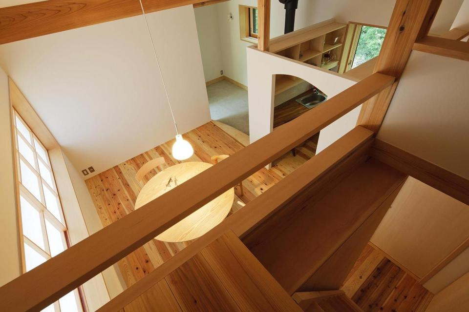 Habuka mountain retreat, a small timber-framed house by Satoshi Irei
