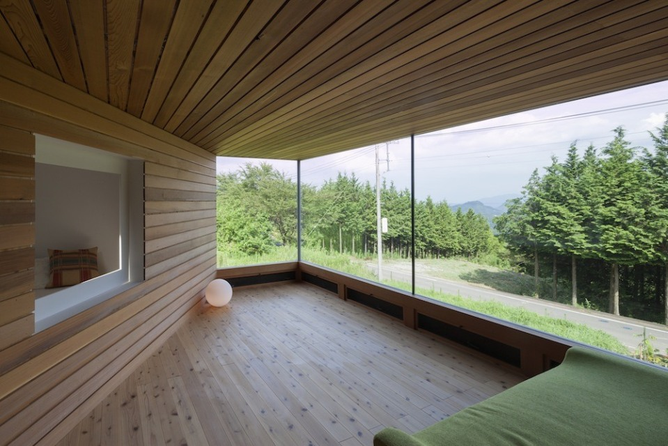 The Skyward House doesn't look too out of the ordinary from the outside but has a dynamic and surprising interior. It has one bedroom in 722 sq ft. | www.facebook.com/SmallHouseBliss