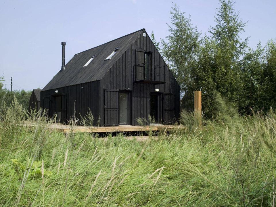 VolgaDacha, a small vacation house by Bureau BERNASKONI