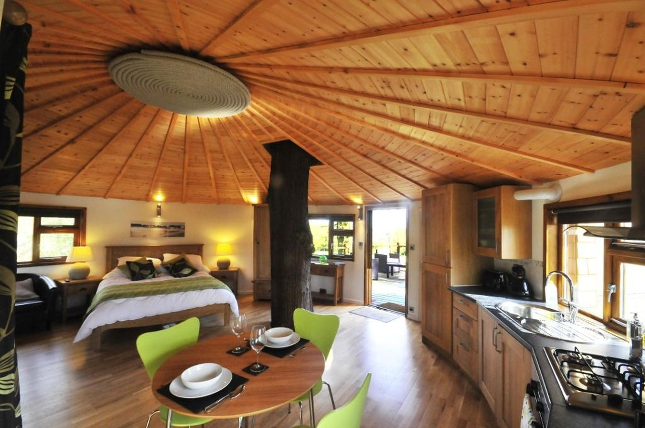 Gallery the bensfield treehouse blue forest small house bliss - Treehouse masters interior ...