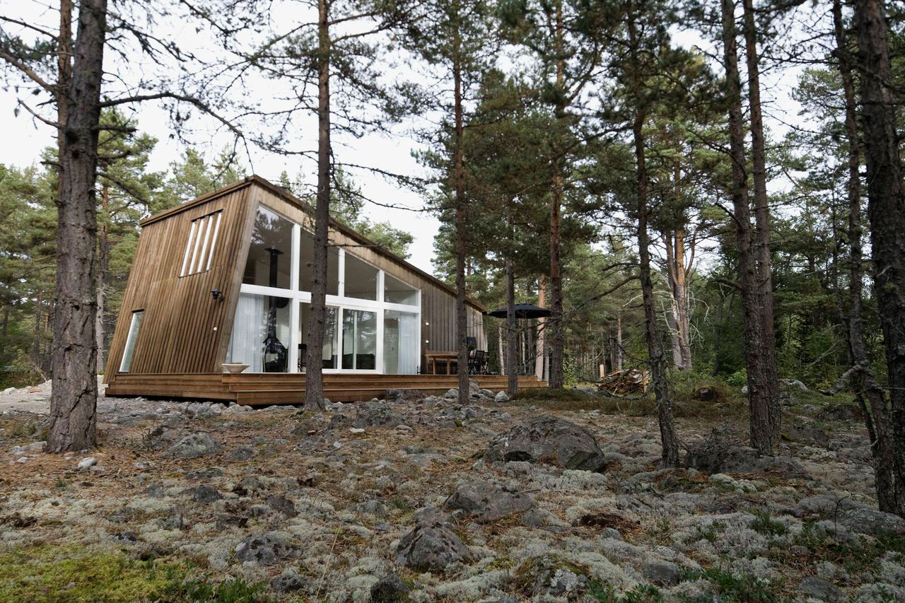 This modern resort cabin in Sweden has a design inspired by c&ing tents. It has & Gallery: Modern vacation cabins at the Hölick Sea Resort | Small ...