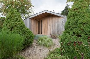 the tiny Poplar Garden House by Onix