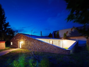 Otio, a small stone cottage by Sebastian Nagy