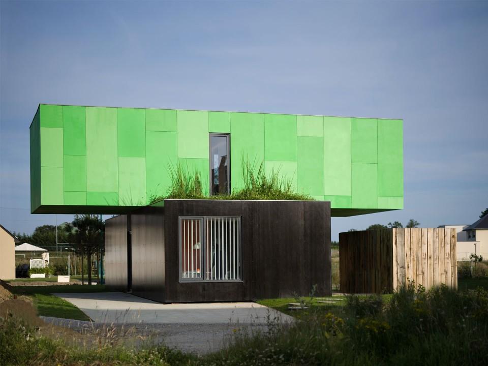 Modular House crossbox, a cantilevered modular house | cg architectes | small