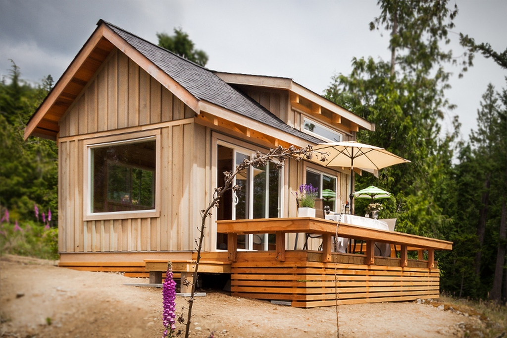 Weekend fun the gambier island tiny getaway cabin small for Small modular cabins and cottages