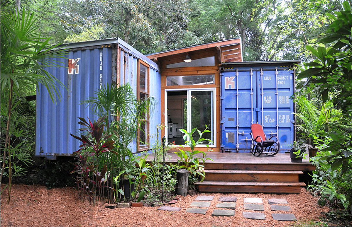 The Savannah Project, an artist's home and studio built from a pair of  repurposed shipping