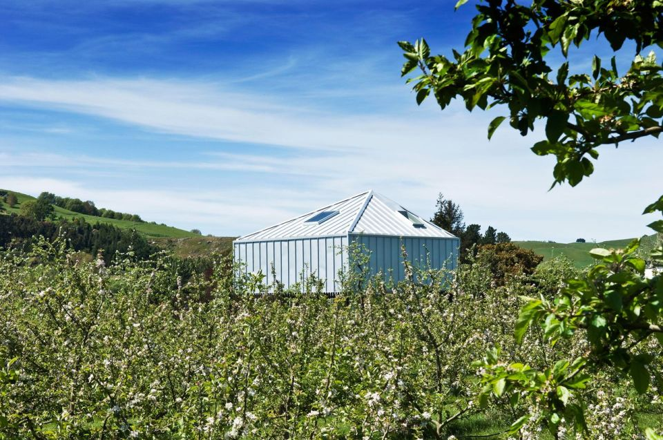 A musician's bachelor pad sits in the middle of an apple orchard. It has one bedroom and a study in 861 sq ft.   www.facebook.com/SmallHouseBliss