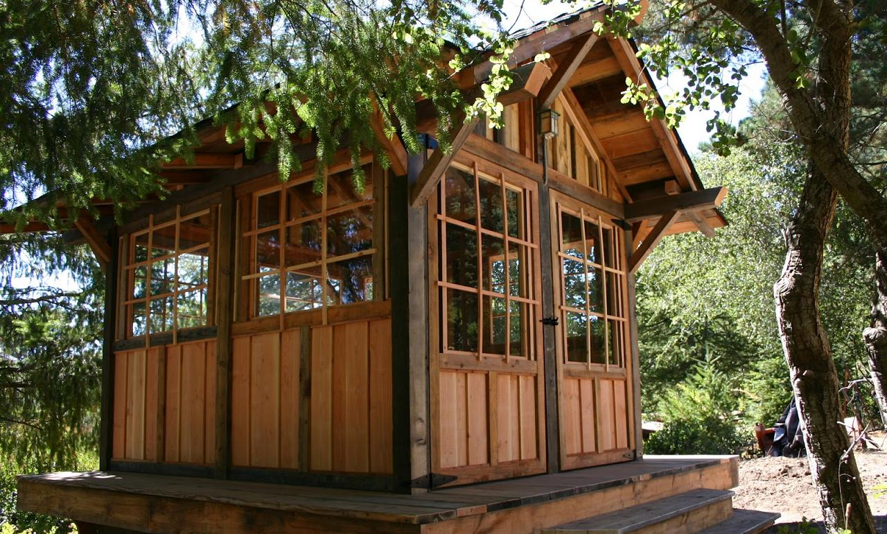 Smallhousebliss weekend fun tea house cabin in the woods for Great tiny homes