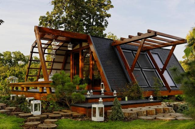 zero energy home design. The Soleta zeroEnergy One  an eco friendly modular house with unusual gambrel roof Small House Bliss