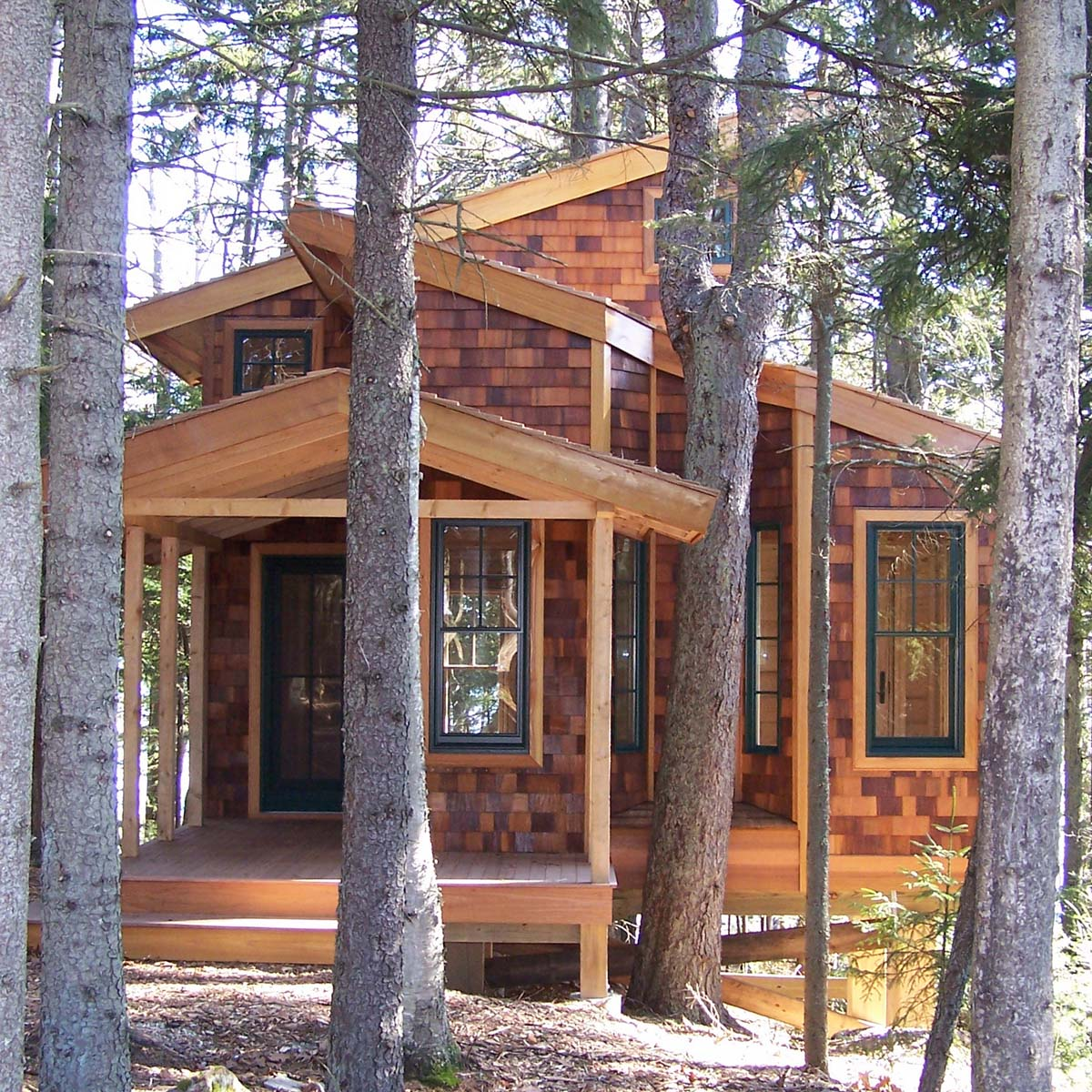 Gallery a tiny house in the trees david matero small for Small tree house