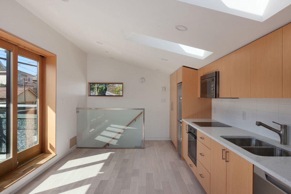A 580 sq ft laneway house with sustainable design features by Lanefab Design/Build   www.facebook.com/SmallHouseBliss