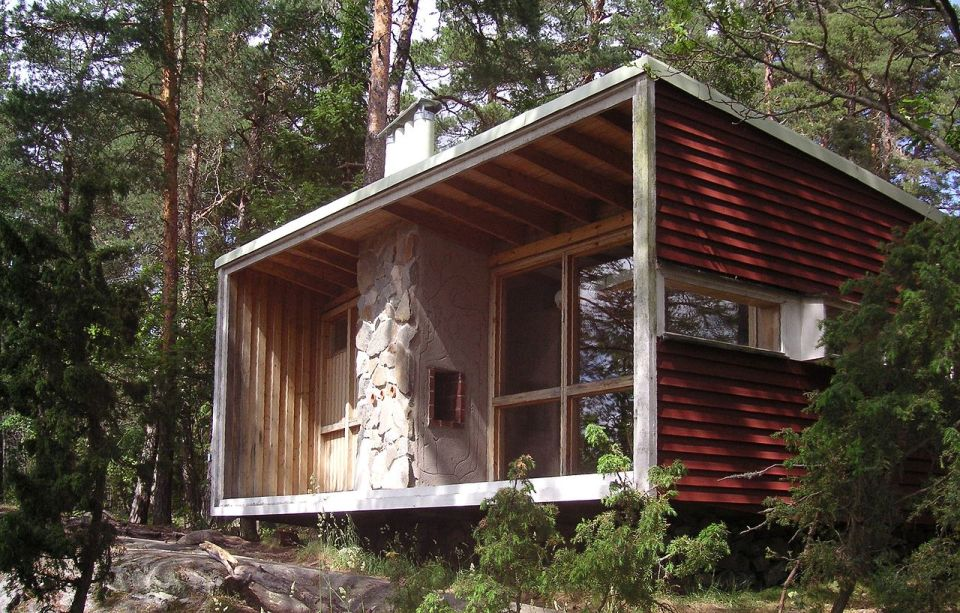 Gallery the box a tiny house built by architect ralph for Tiny house architects